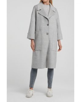 Coat with 7/8 sleeves