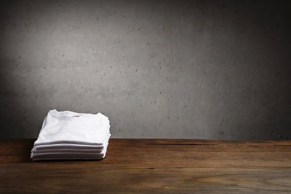Hoe kan je een wit t-shirt dragen