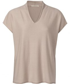 V-neck sweater with roll edges