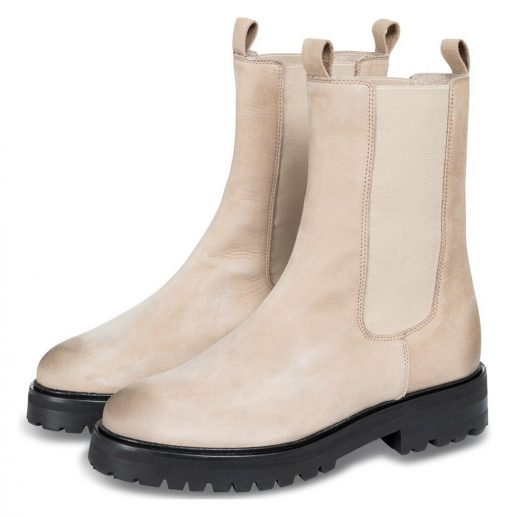 Leather boot with elastic
