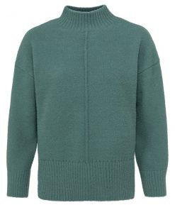 Sweater with seam at front